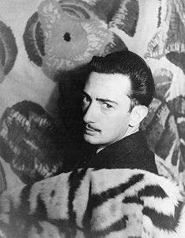 270px-Salvador_Dalí_1939